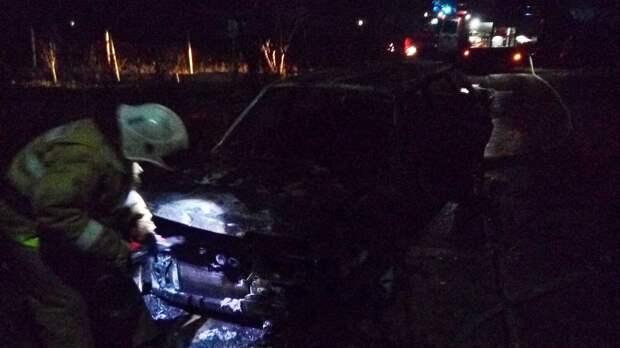 В крымском селе Вилино полностью сгорела легковая машина