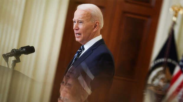 """США показали """"голого короля"""". Джо Байден испугался Путина и ничего о нем не сказал"""