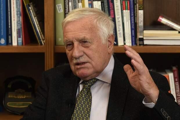Экс-президент Чехии увидел связь между выборами в США и делом во Врбетице