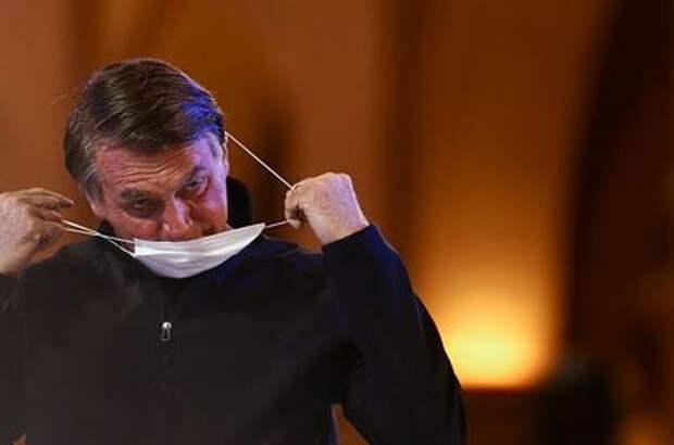 Президент Бразилии отказался от прививки против COVID-19