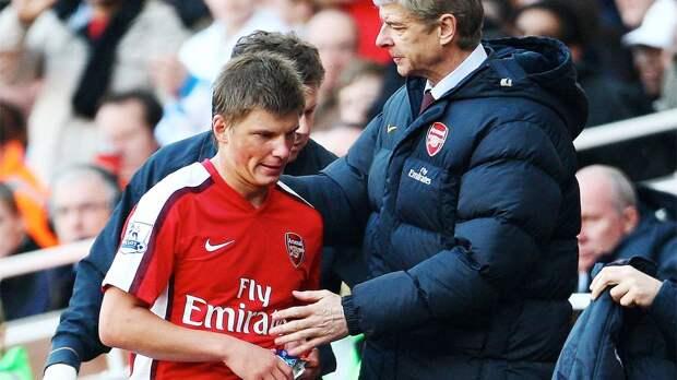Однажды фанаты «Арсенала» освистали Аршавина. Позже Андрея высмеяли в песне от лица Ван Перси