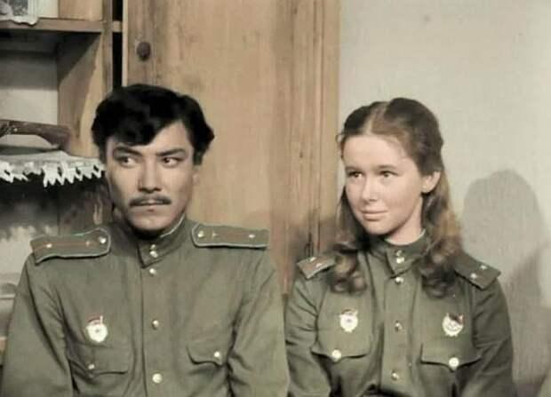 Евгения Смирнова. Кадр из фильма «В бой идут одни «старики», 1974 г.