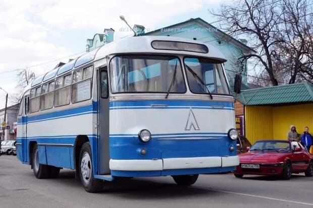 2019 год, город Гагарин. Живая история на колёсах — это он! ЛАЗ, авто, автобус, автомир, гагарин, космодром, лаз-695б, юрий гагарин
