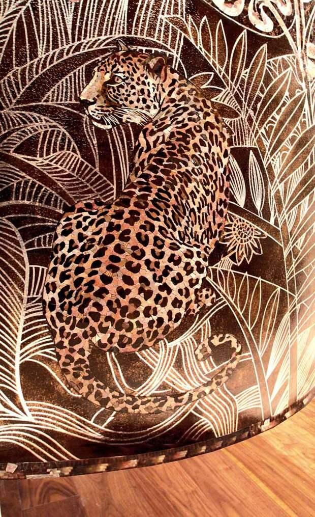 Художественно-мозаичная композиция Джунгли <I>Мозаика интегрированная в плоскость декоративной штукатурки с золочением и росписью</I> 2
