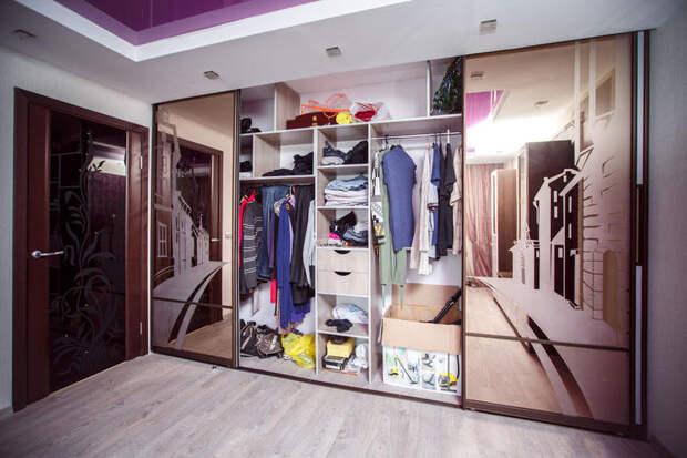 Встроенный шкаф в квартире