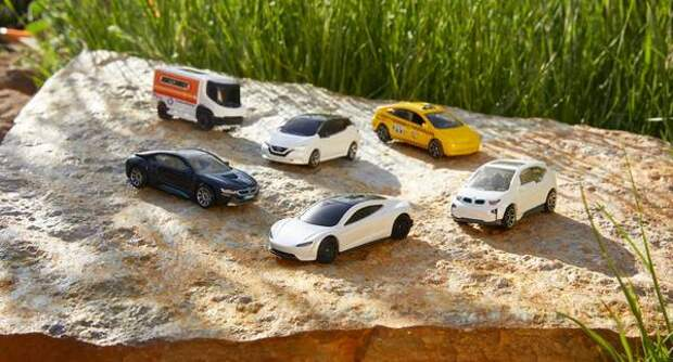 Matchbox представил экологичную упаковку и новый родстер Tesla