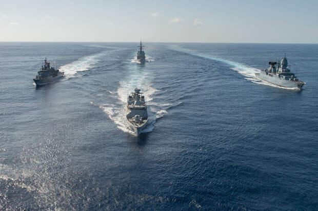 Две АПЛ и три корабля ВМС США устроили погоню за подлодкой ВМФ РФ