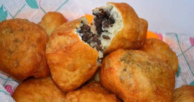 Пирожки с ливером, бычки-кнуты, бульон с галушкой - простой одесский обед.
