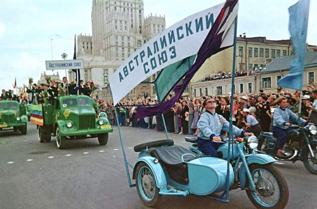 festival molodezhi studentov Moskva 1957.jpg 7