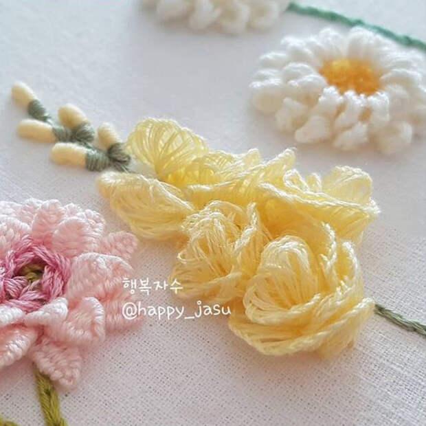 Как вышить цветы декоративными швами
