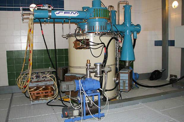 Новосибирские физики научились коптить селёдку в коллайдере
