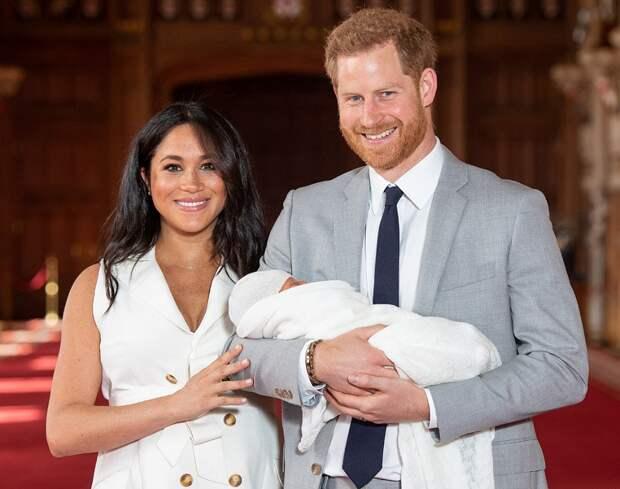 Принц Гарри и Меган Маркл крещение Лилибет-Дианы