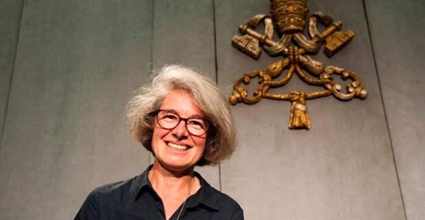 Впервые в истории Католической церкви в синод епископов назначена женщина