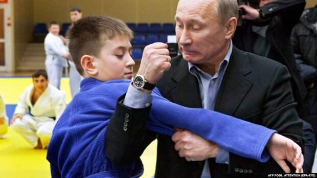 Человек, подмявший под себя страну. Кем оказался мистер Путин