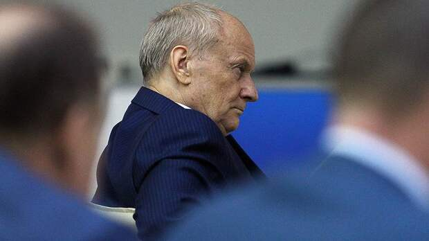Леонид Шалимов предпочел сам написать заявление об отставке, не дожидаясь разговора с вице-премьером Рогозиным