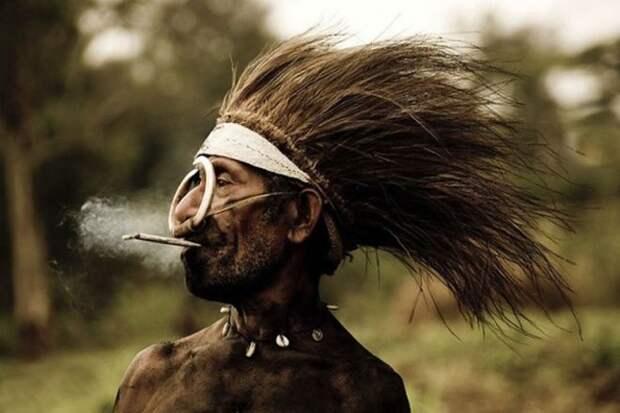 Житель Папуа Новая Гвинея