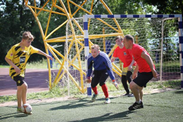 В Нижнем Новгороде в преддверии Всемирного дня детского футбола транспортные полицейские и общественники провели спортивное мероприятие