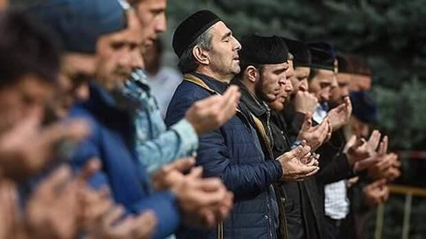 На пятничный намаз в Магасе съехались молящиеся со всей Ингушетии