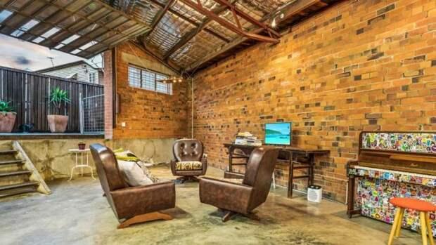 Дом сочетает в себе просторный промышленный стиль и винтажный декор, представляя собой идеальную смесь старого и нового архитектура, в мире, дизайн, дом, склад