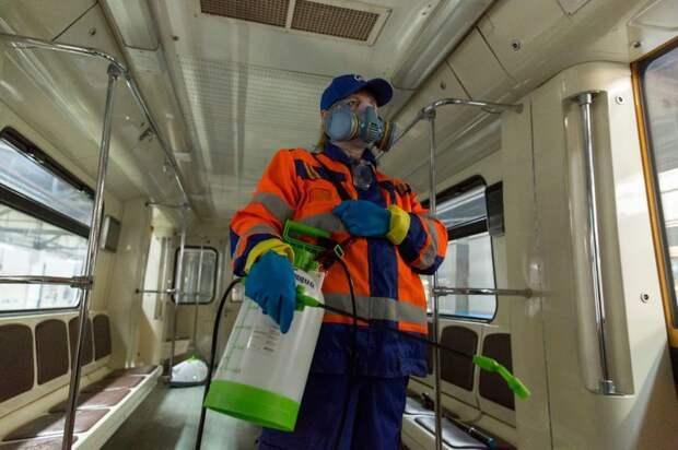 Как дезинфицируют вагоны метро? 7 фото