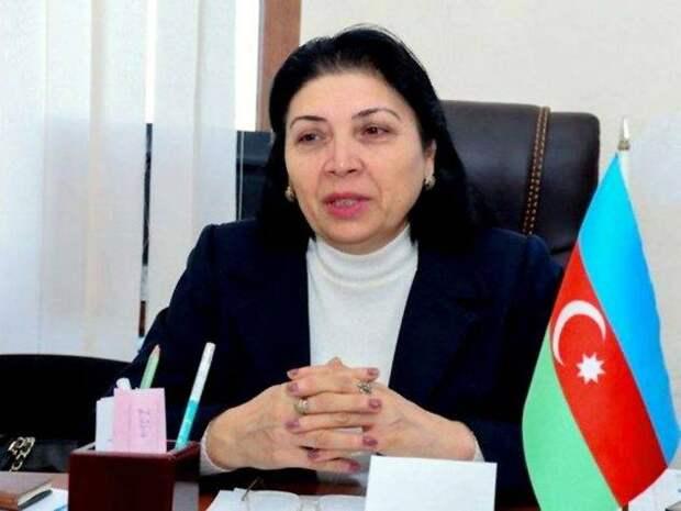 """Меня здесь русским именем когда-то нарекли. """"Защита языка"""" в Азербайджане"""