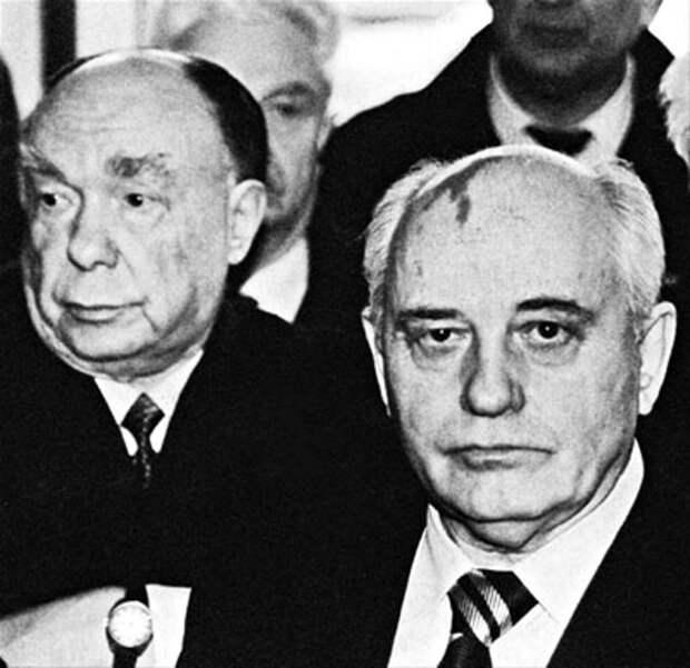 Расказачивание от Краснова. Казацкий сепаратизм и союзники