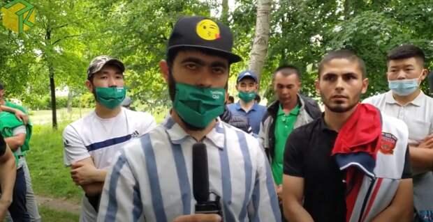 Многонациональные курьеры Delivery Club вышли на забастовку