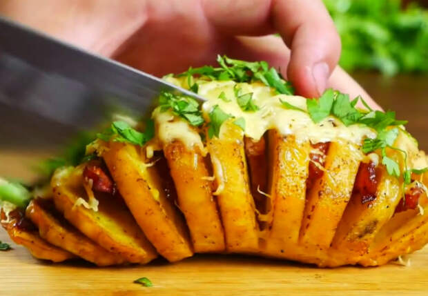 3 полноценных блюда из микроволновки. Картошка, пицца и десерт за 7 минут