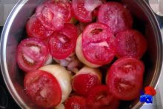 накрываем кабачки помидорами