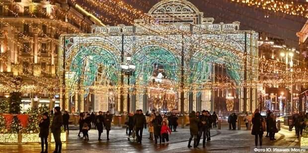 Собянин рассказал о праздничных световых конструкциях на улицах Москвы. Фото: Ю.Иванко, mos.ru