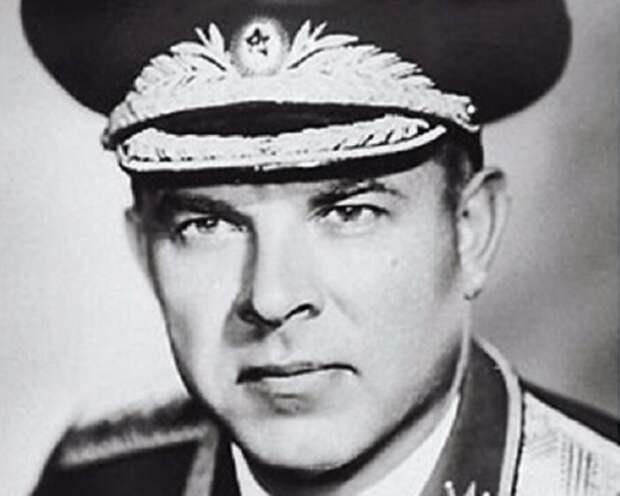 Председатель КГБ при Совете министров СССР Владимир Семичастный
