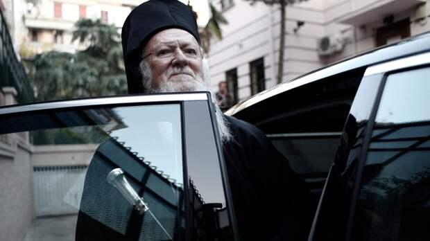 Коронабесие Фанара: Константинопольский патриархат решил оставить православных без богослужений