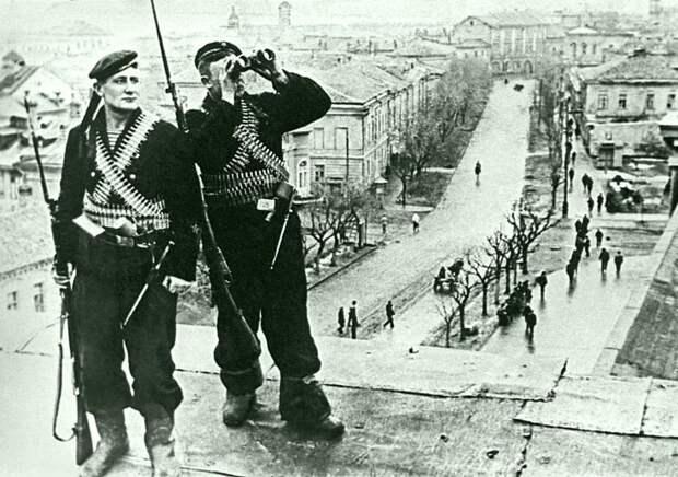 Советские морские пехотинцы в Керчи. Весна 1944 года. Великая Отечественная война, СССР, история