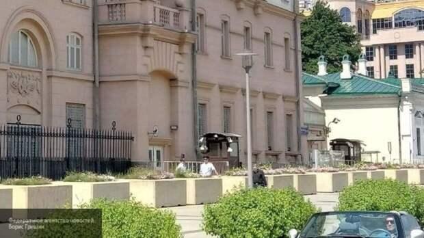 Пьяный водитель пытался попасть к резиденции посла США в Москве
