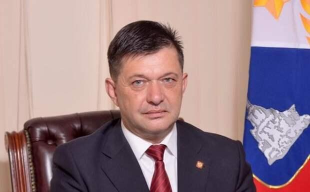 Поздравление заместителя председателя Общественной палаты г.Севастополя Гасанова О.С