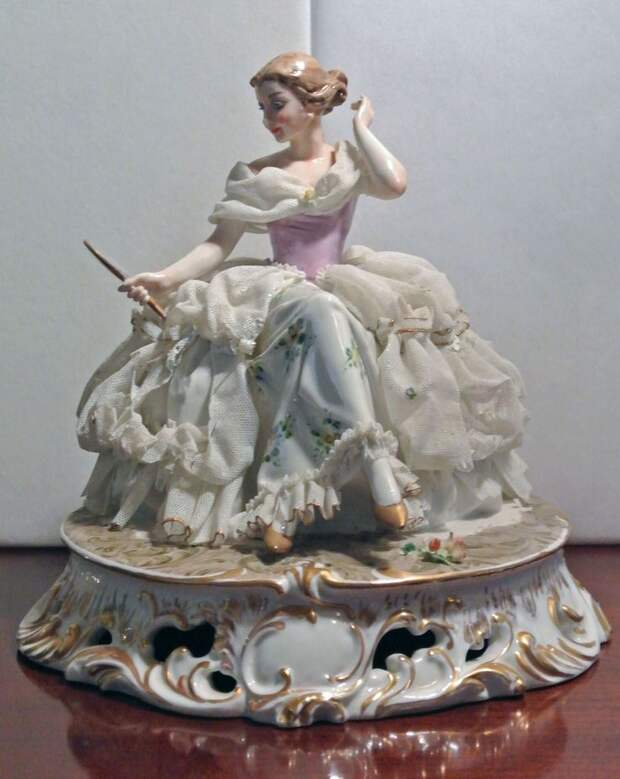 Capodimonte Victorian Lady Figurine Italy Dresden Lace