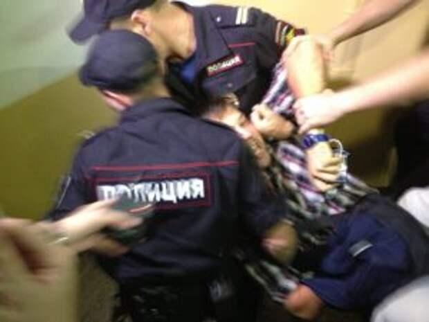 Залетный разбойник избил охранника и обчистил магазин на Череповецкой