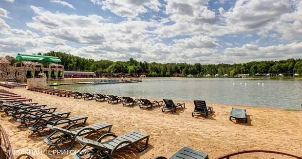 Топ-10 пляжей Москвы, на которых можно купаться, загорать и даже работать удаленно