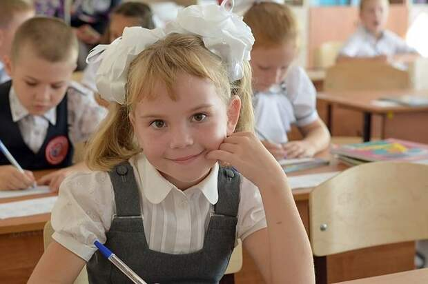 Путин поручил начать «школьные» выплаты со 2 августа