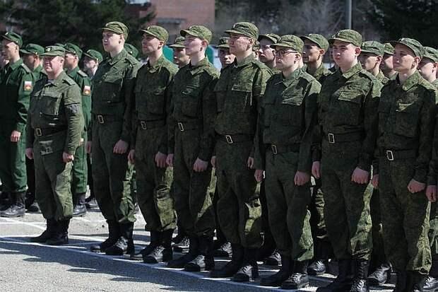 Видео возвращения российских войск после учений в Крыму опубликовало Минобороны