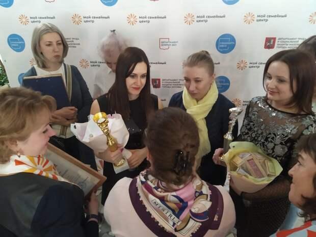 Елена Красникова из Южнопортового стала лучшим специалистом по работе с семьей в ЮВАО