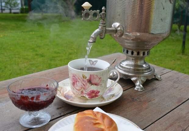 Самовар - отличный вариант для чаепития на даче или дома / Фото: 1.bp.blogspot.com