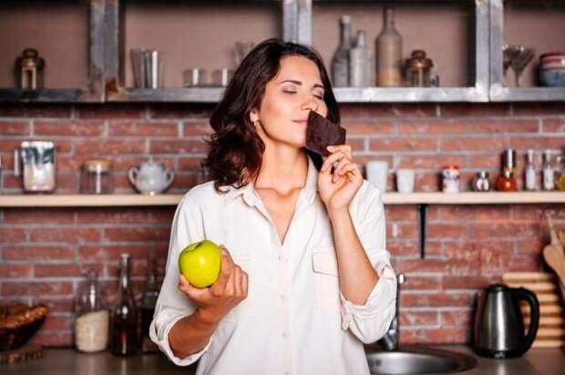 50 грамм удовольствия. Диетолог — о сладостях, которые и правда полезны