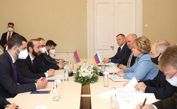 Делегация армянского парламента приехала в«наш дом»: Мирзоян наградил Матвиенко