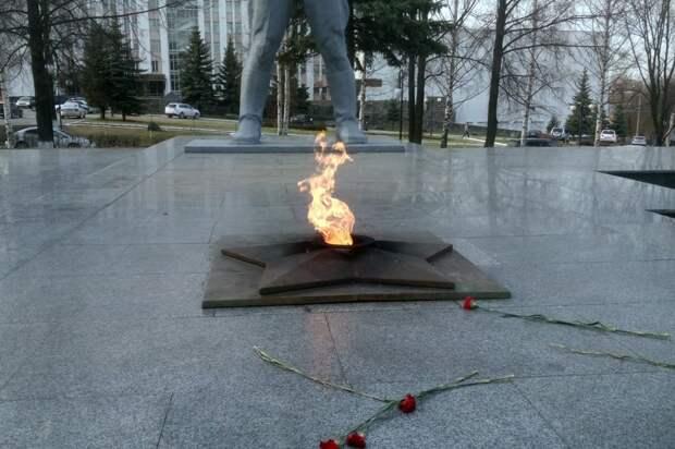 Вечные огни в Удмуртии привели в порядок ко Дню Победы