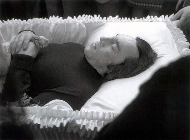 Прощание. Фотографии с похорон Высоцкого.
