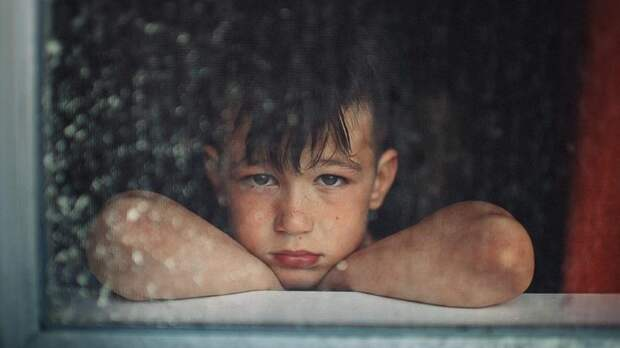 Россияне резко перестали брать детей из детдомов
