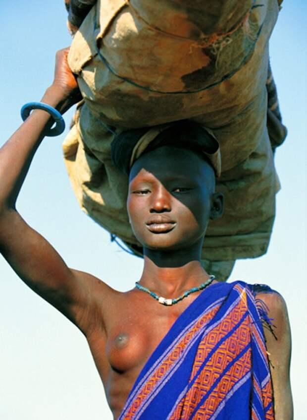 Женщина народности динка