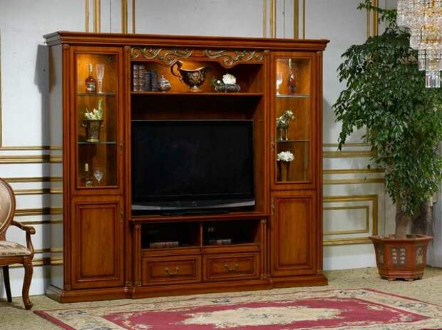 Сервант с местом под телевизор