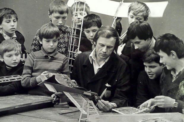 Тоталитарный СССР… Почему Советские дети были умней нынешних.